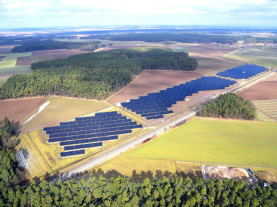 Solar power plant with 3.1 MWp of CIS modules near Bonnhof, Germany (image: Solar Frontier)