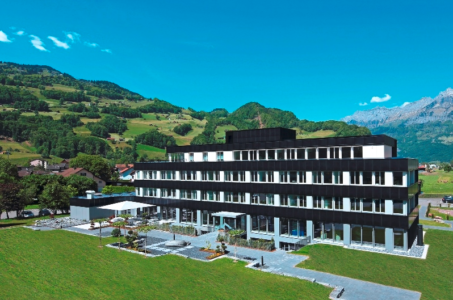 Flumroc Headquarter office façade CH (Swiss and European Solar Award)