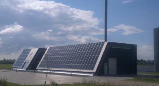 Skrydstrup Fjernvarme (solar district heating office PV façade), Denmark